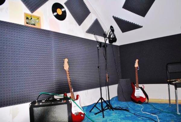 акустические панели в студии звукозаписи