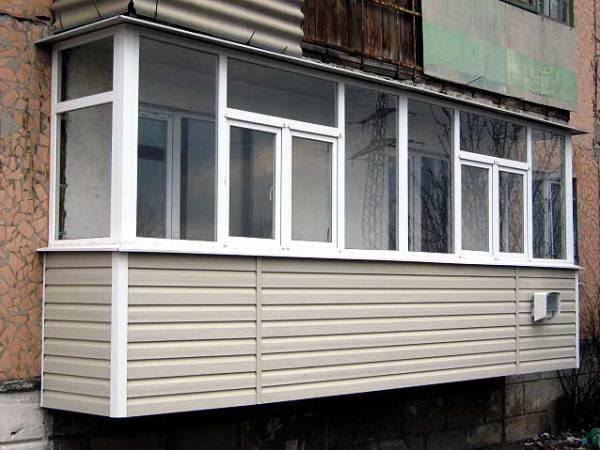 отделка балкона сайдингом фото